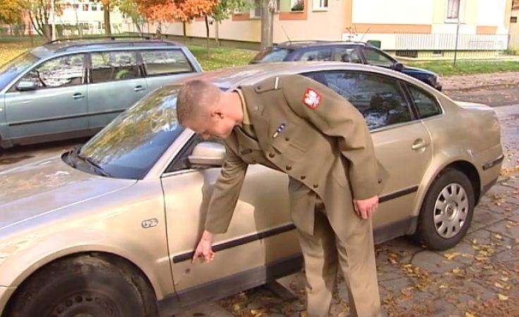 Gdy poszkodowany żołnierz zaczął uciekać w jego stronę padły strzały z policyjnej broni