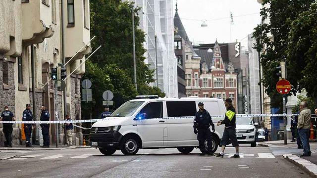 Samochód wjechał w tłum ludzi w Helsinkach, jedna osoba nie żyje