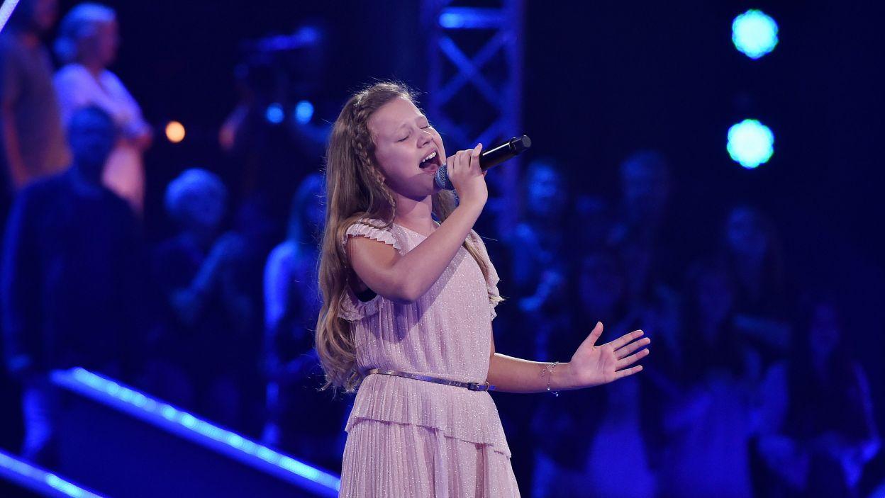 Oliwka ponownie wykonała utwór z Przesłuchań w ciemno, czy jej moc była równie silna i zapewni jej miejsce w finale? (Fot.I. Sobieszczuk/TVP)