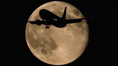 Księżyc jest blisko i w pełni (fot.  Daniel Berehulak/Getty Images)