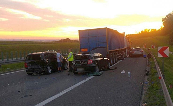 Na autostradzie A4 zderzyło się pięć aut (fot. Polskie Radio Opole)