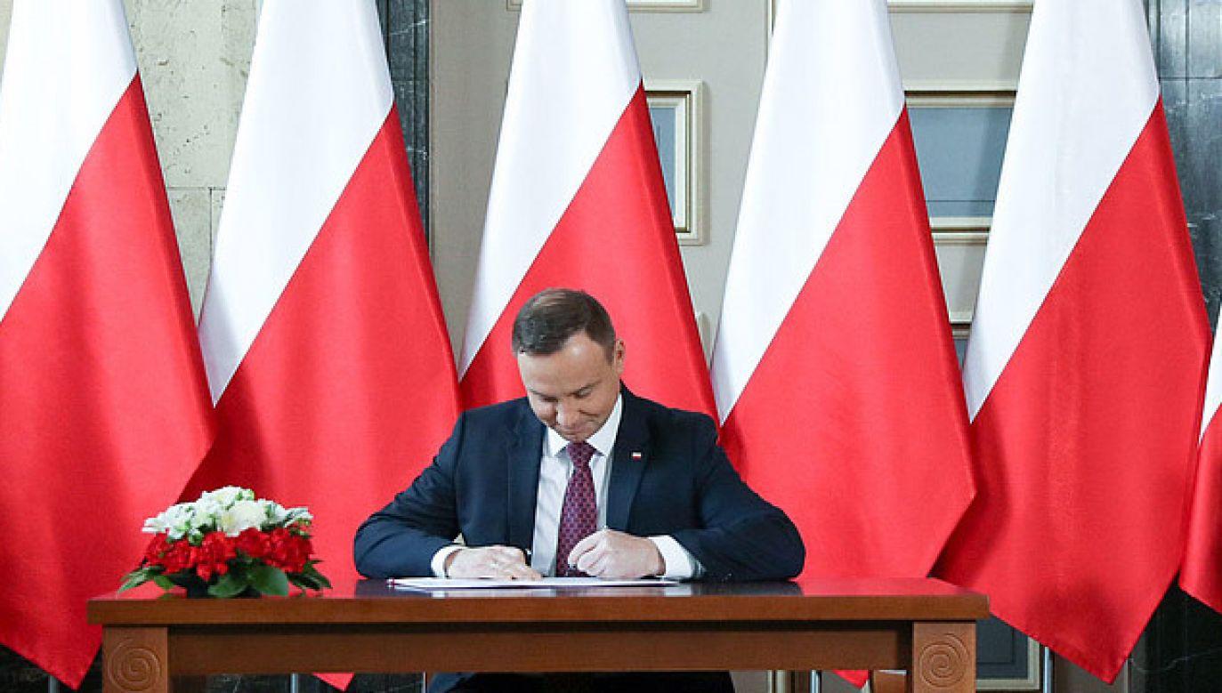 Prezydent podpisze ustawę umożliwiającą odzyskanie pieniędzy błędnie przelanych (fot. KPRP/Krzysztof Sitkowski)