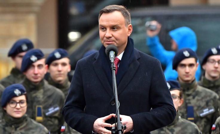 Prezydent Andrzej Duda podczas spotkania z mieszkańcami Kamiennej Góry (fot. PAP/Maciej Kulczyński)