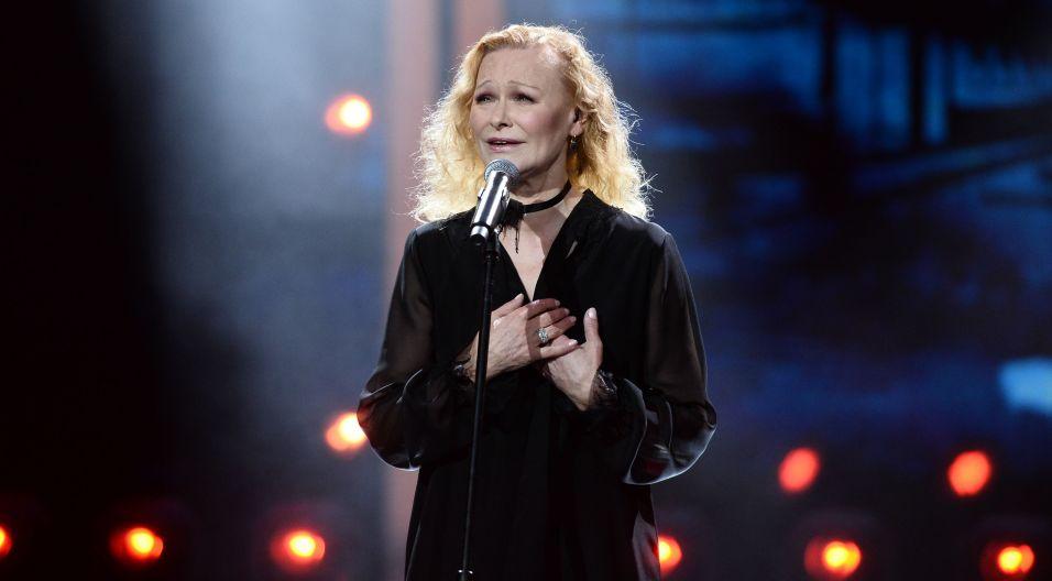 """Na koncercie piosenki literackiej nie mogło zabraknąć Edyty Geppert; widzowie usłyszeli w jej wykonaniu """"Miasteczko pana Andersena"""" (fot. Jan Bogacz/TVP)"""
