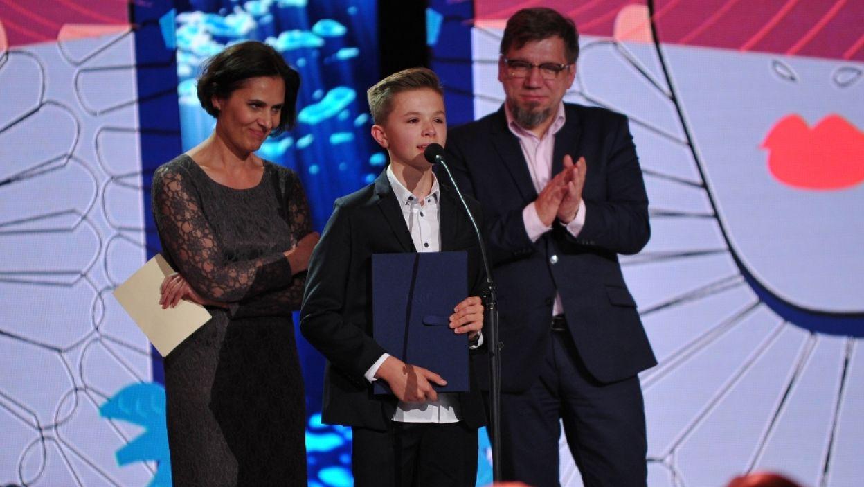 Dziecięcy aktor dubbingowy Bernard Lewandowski otrzymał nagrodę za słuchowisko dla dzieci i młodzieży Teatru Polskiego (fot. N. Młudzik/TVP)