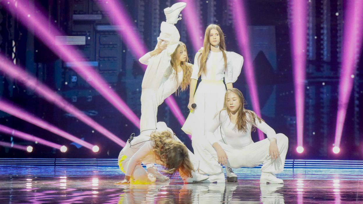 Na scenie będą towarzyszyć jej tancerze (fot. Andres Putting/Eurovision)