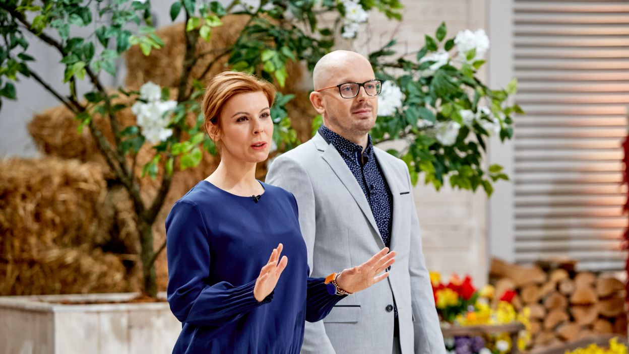 Jurorzy – Gosia Molska i Krzysztof Ilnicki – przygotowali pierwsze cukiernicze wyzwanie: tiramisu (fot. TVP)