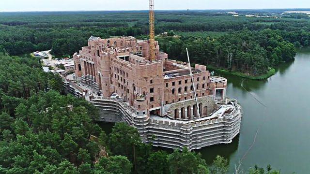 Minister środowiska: Budowa zamku w Puszczy Noteckiej może zostać zatrzymana