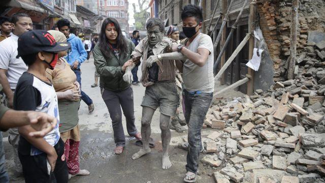 Potężne trzęsienie ziemi w Nepalu; kilkaset ofiar. Dwóch Polaków w rejonie zagrożenia