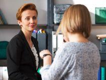 Pracę z trudną młodzieżą Małecka stara się połączyć z obowiązkami w nowej kancelarii (fot. Mateusz Wiecha/TVP)