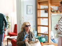 Okazuje się, że nie tylko mecenas ma gości. Grażyna dezorganizuje i tak chaotyczne życie Krzysztofa i Marty! (fot. TVP)