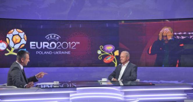 Franciszek Smuda tłumaczył się ze swoich decyzji podczas mistrzostw Europy (fot. TVP/J. Bogacz)