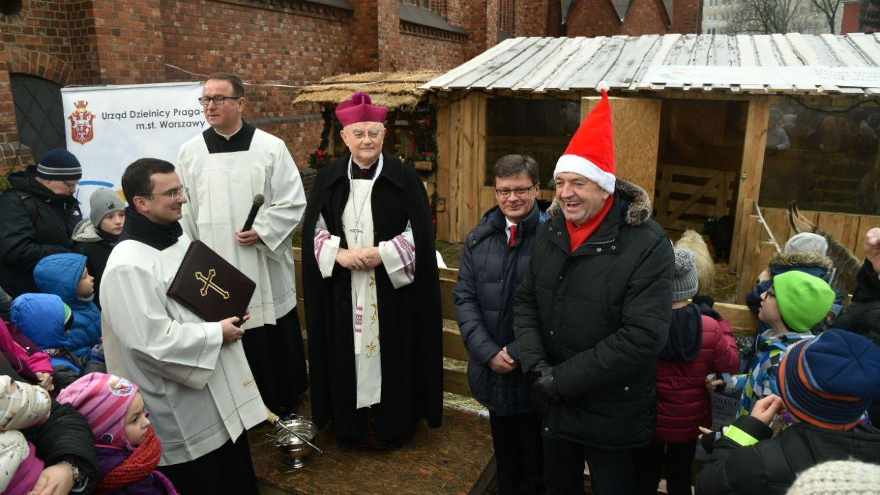 Od początku rozprowadzono przeszło 50 milionów świec, które Polacy tak chętnie palą na świątecznych stołach (fot.TVP)
