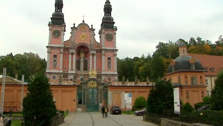 Sanktuarium pielgrzymkowe w Świętej Lipce wybudowano na przełomie XVII i XVIII wieku