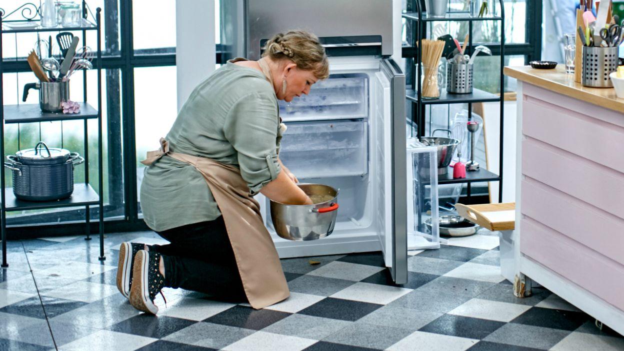 """Ciasto po wyrobieniu powinno """"odpocząć"""" w lodówce (fot.TVP)"""