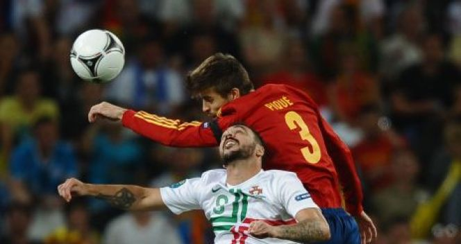 Gerard Pique i Hugo Almeida (fot. Getty Images)