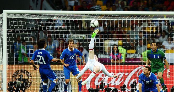 Wayne Rooney miał kilka okazji do zdobycia bramki (fot. Getty)