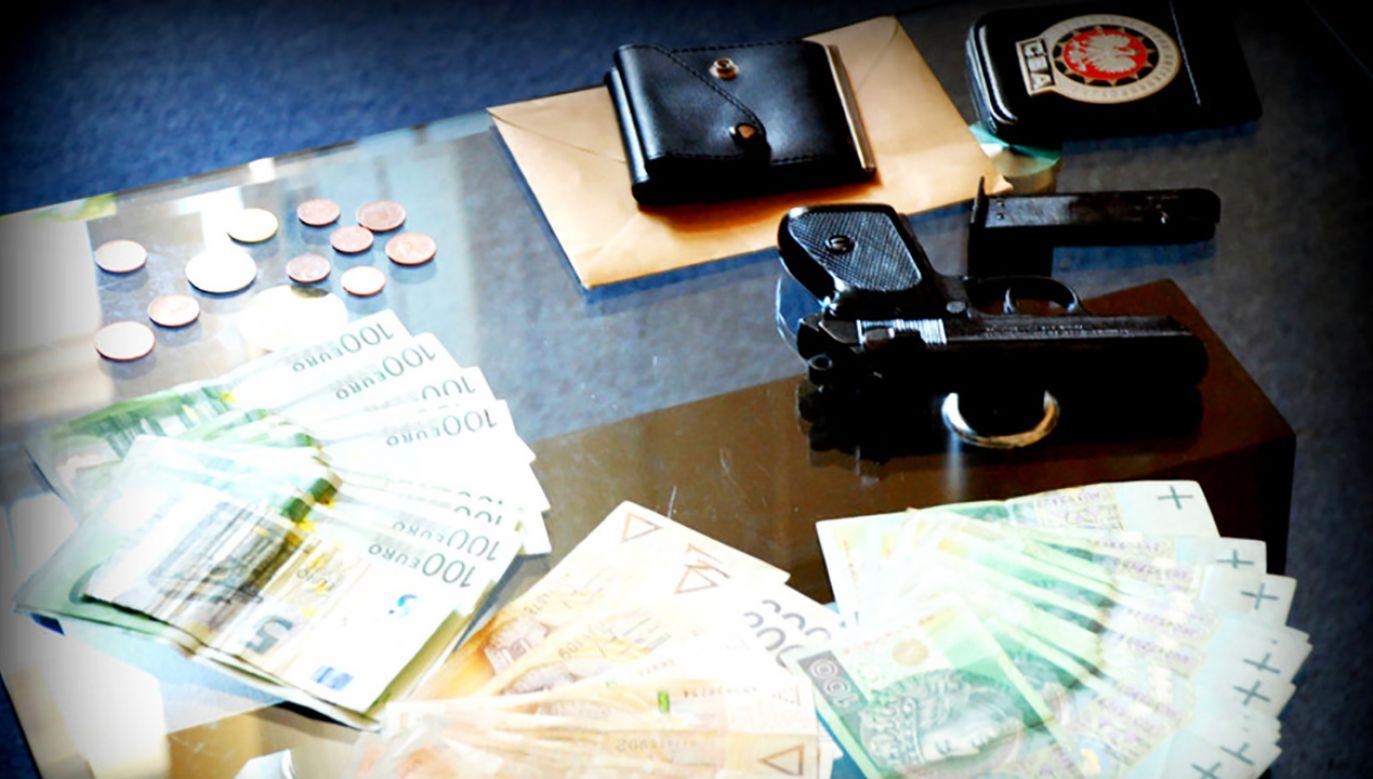 CBA: 46 zatrzymanych na liczniku CBA ws. handlarzy lipnymi fakturami (fot. cba.gov.pl)