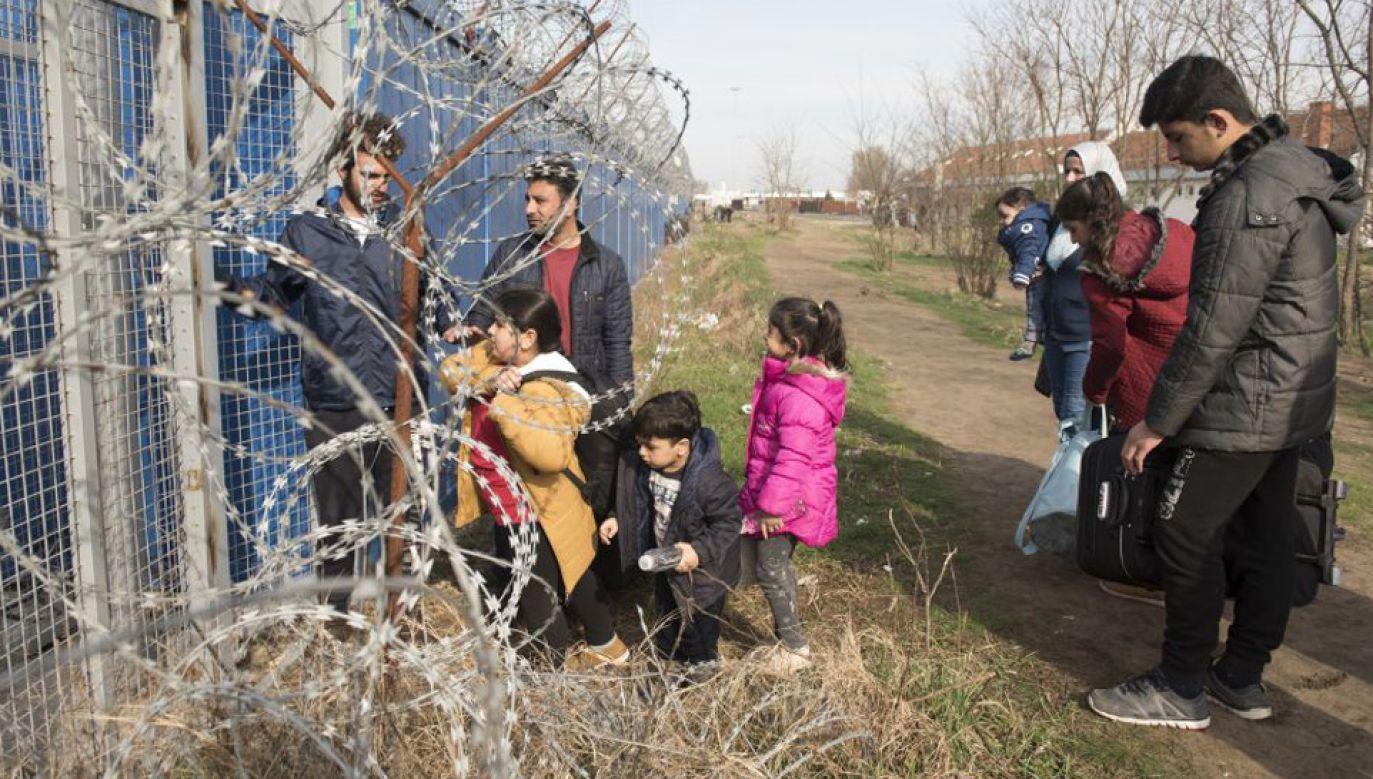 Komisja Europejska podjęła w czwartek decyzję o przejściu do kolejnego etapu unijnej procedury o naruszenie prawa wobec węgierskich regulacji dotyczących prawa azylowego (fot. Omar Marques/Anadolu Agency/Getty Images)