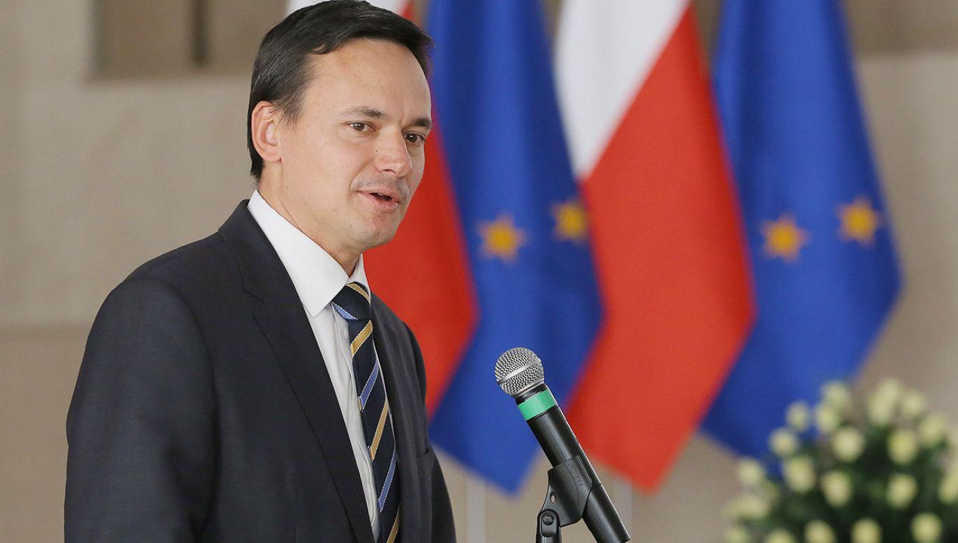 Cichocki miał stanąć przed komisją 12 grudnia, ale posiedzenie odwołano z powodu sejmowego exposé premiera Morawieckiego (fot. arch.PAP/Radek Pietruszka)