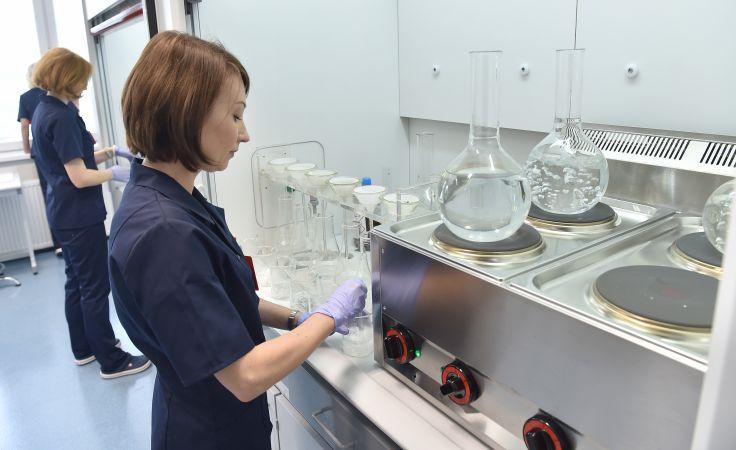 Nowoczesne Laboratorium Badań Chemicznych otwarto w Oddziale Szkła i Materiałów Budowlanych Instytutu Ceramiki i Materiałów Budowlanych w Krakowie