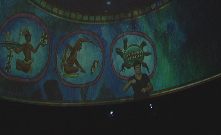 Kolorowa i pełna dźwięków podróż do sześciu świątyń Majów