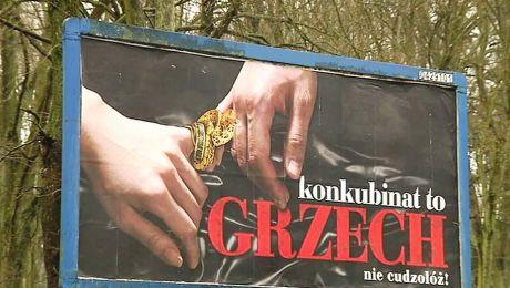 Kontrowersyjny plakat na ulicach Olsztyna.