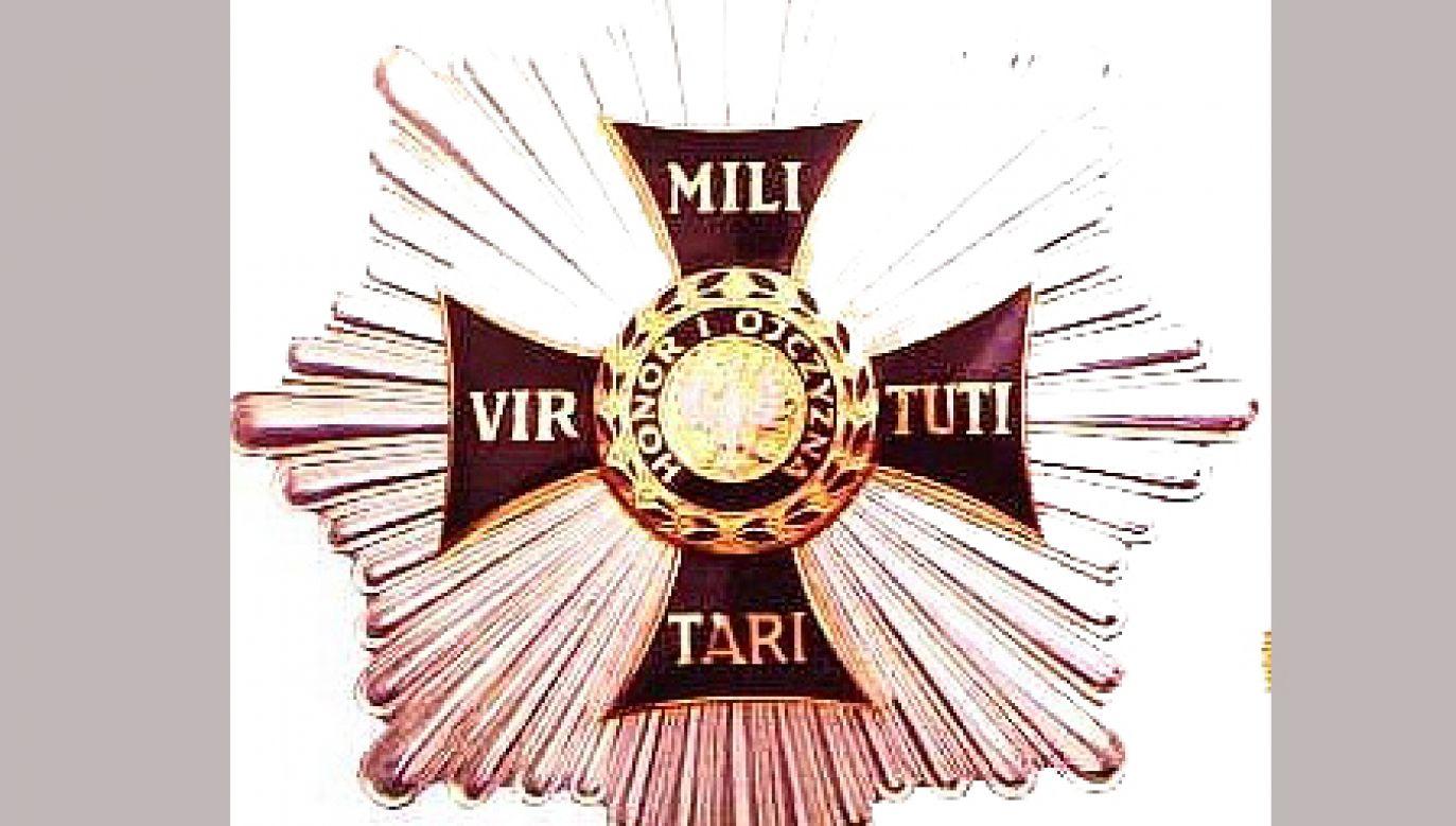 Kancelarii prezydenta analizuje nadania orderu Virtuti Militari w okresie komunizmu  (fot. Wikimedia Commons)