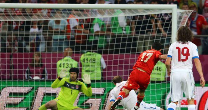 Petr Cech nie miał szans na obronę strzału Dżagojewa (fot. Getty Images)