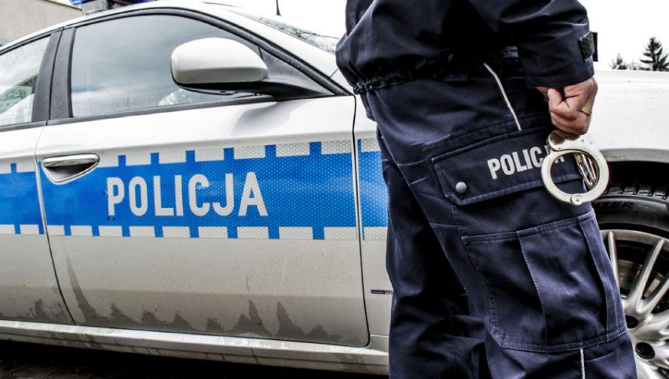 Policja zatrzymała dwóch mężczyzn, którzy niszczyli samochody (fot. tvp.info/Paweł Chrabąszcz)