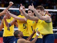 Brazylijczycy po ostatnim gwizdku arbitra szaleli z radości (fot. Getty Images)