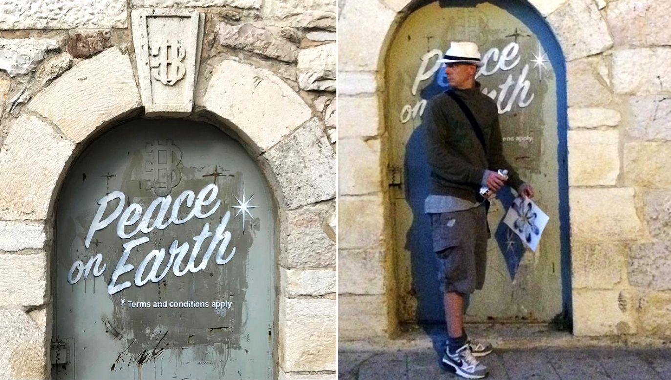 """Fotografię Banksy zamieścił na swoim profilu. Wymalowany na murze napis głosi: """"Pokój na ziemi. *Zasady i warunki zastosowania"""" (fot. Instagram/Banksy)"""