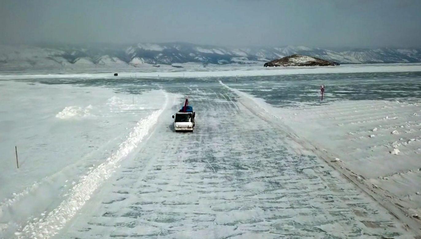 Zimowa przeprawa przez Bajkał (fot. TVP Info)