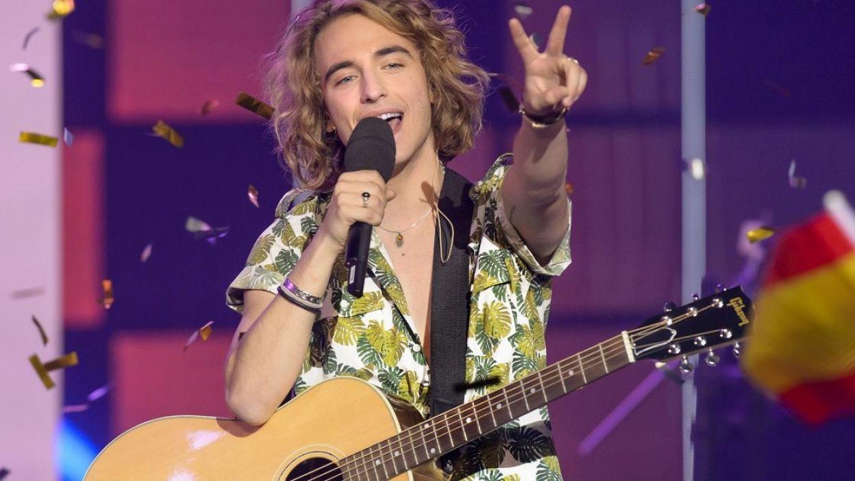 """Manel Navarro, Hiszpania, stał się rozpoznawalny dzięki akustycznym wykonaniom znanych utworów, które publikował na Facebooku. Wykona piosenkę """"Do It For Your Lover"""" (fot. Eurovision.tv)"""