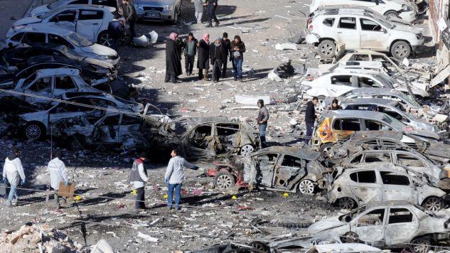 Wybuch nastąpił w w mieście Viransehir (fot. PAP/EPA/HASAN KIRMIZITAS)