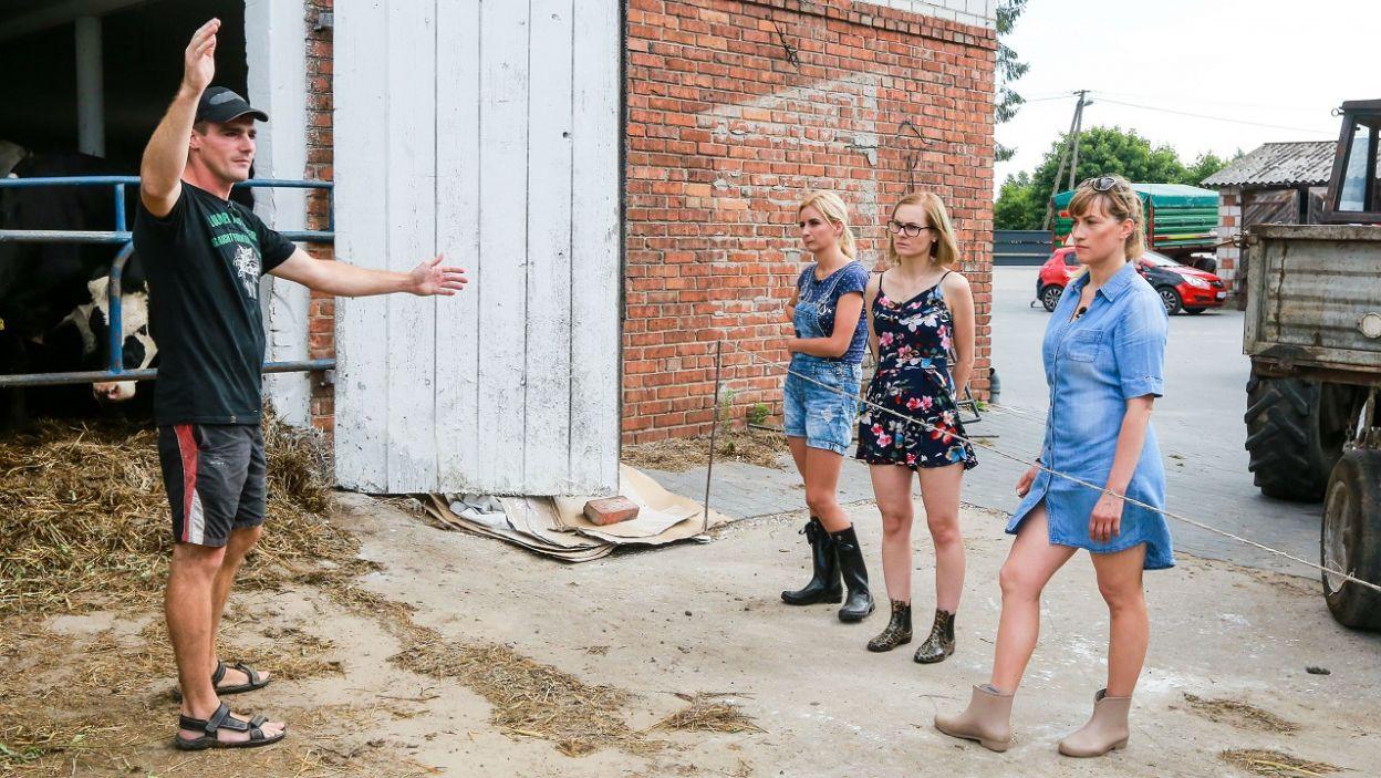 Która z dziewczyn ubrała się odpowiednio do pracy… (fot. TVP)