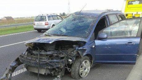 Spowodował kraksę na A1 i odjechał