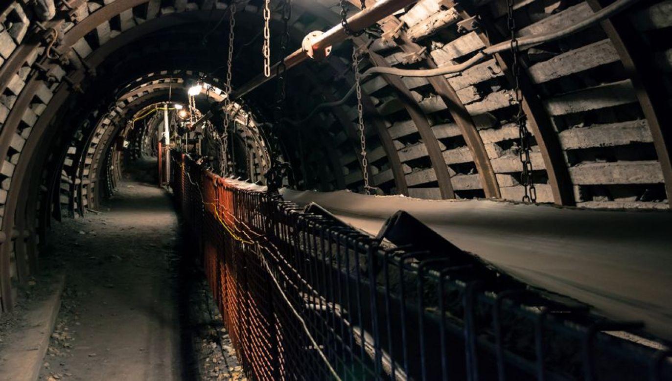 W wyniku wstrząsu poszkodowanych zostało pieciu górników (fot. Shutterstock/medvedsanders)