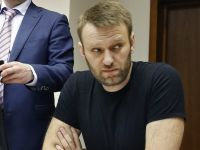 """Nawalny pozostaje w areszcie.  Jest wstrząśnięty śmiercią Niemcowa. """"Trudno znaleźć słowa"""""""
