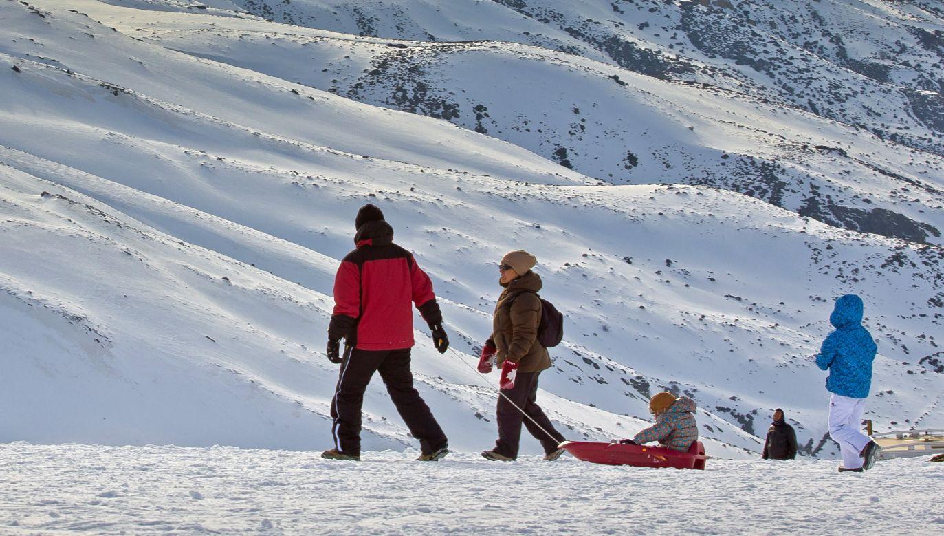 Większych opadów śniegu można spodziewać się we wtorek (fot. flickr.com/Hernán Piñera)