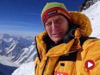 Wyprawa na K2. Denis Urubko samotnie wchodzi na szczyt. Nie ma z nim kontaktu