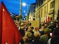 Elewacja Sądu Okręgowego w Gdańsku uszkodzona podczas protestu