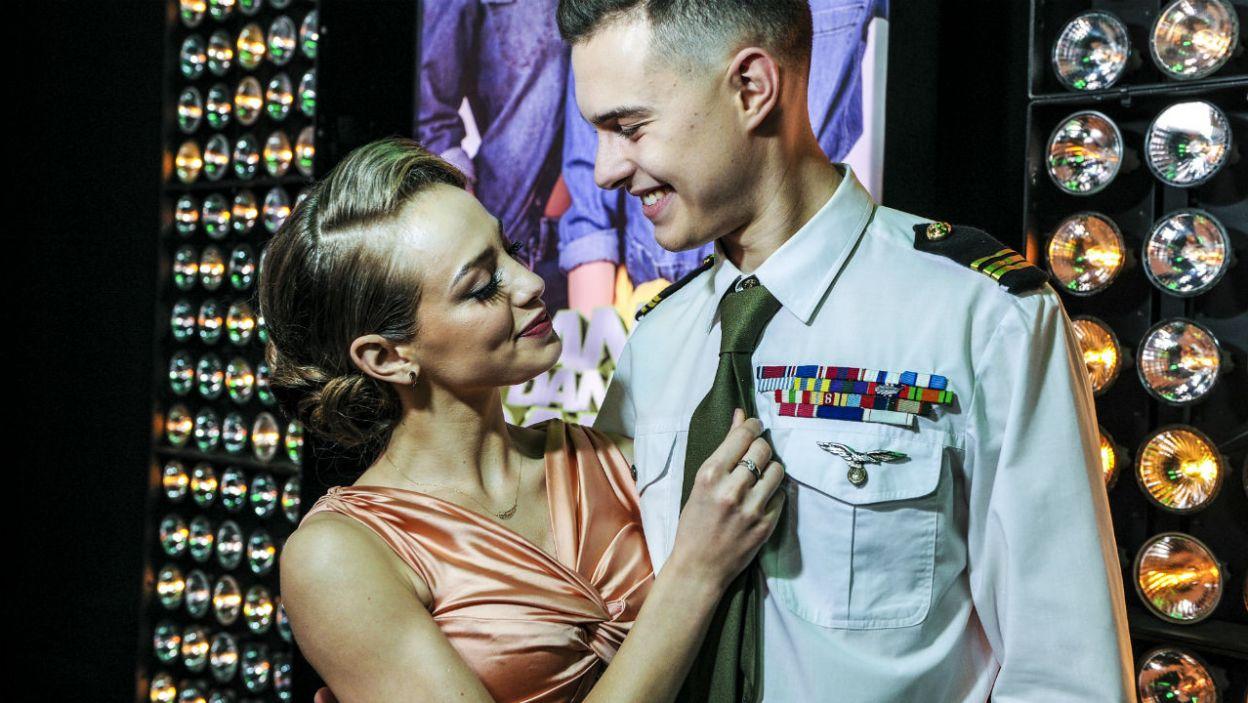 """Pierwszą zatańczoną choreografią był układ z hitu Christiny Aguilery  """"Candyman"""" w wykonaniu Wiktorii i Adama (fot. TVP)"""
