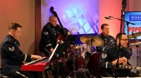 """2. Muzycy z zespołu """"United States Air Forces in Europe"""" w TVP3 Rzeszów"""