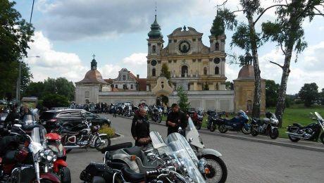 Ryk motocykli pożegnał zmarłego księdza Krużyckiego