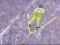 Na dużej olimpijskiej skoczni w Nagano Wojciech Skupień zajął 11. miejsce. Do tego był 8. w drużynie (fot. Getty Images)