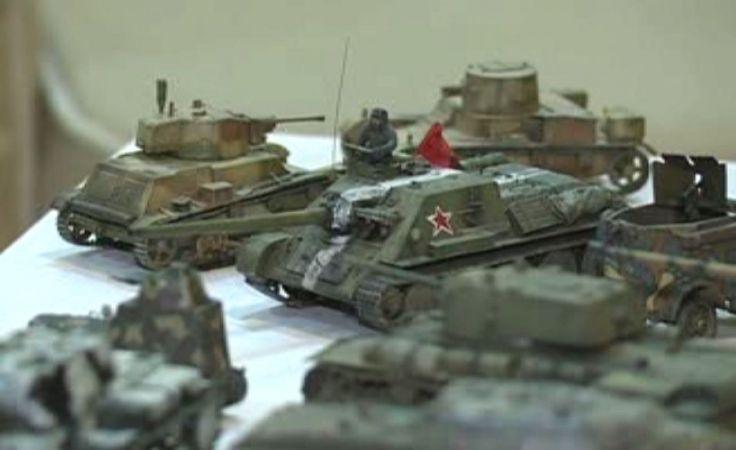 Modele czołgów z opakowań po jogurtach