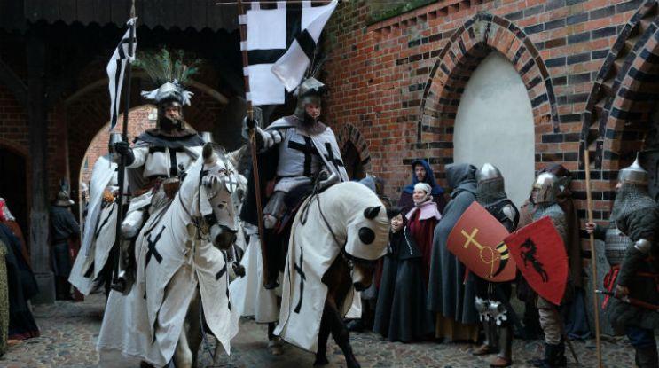 """Ekipa """"Korony królów"""" na zamku w Malborku"""