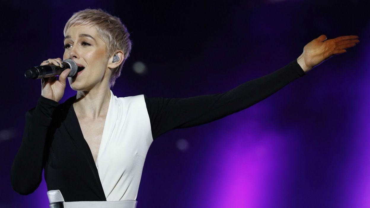 Wielka Brytania: SuRie,Wielka Brytania, kraj należny do tzw. Wielkiej Piątki, a to znaczy, że reprezentant zaśpiewa w finale konkursu (fot. PAP)