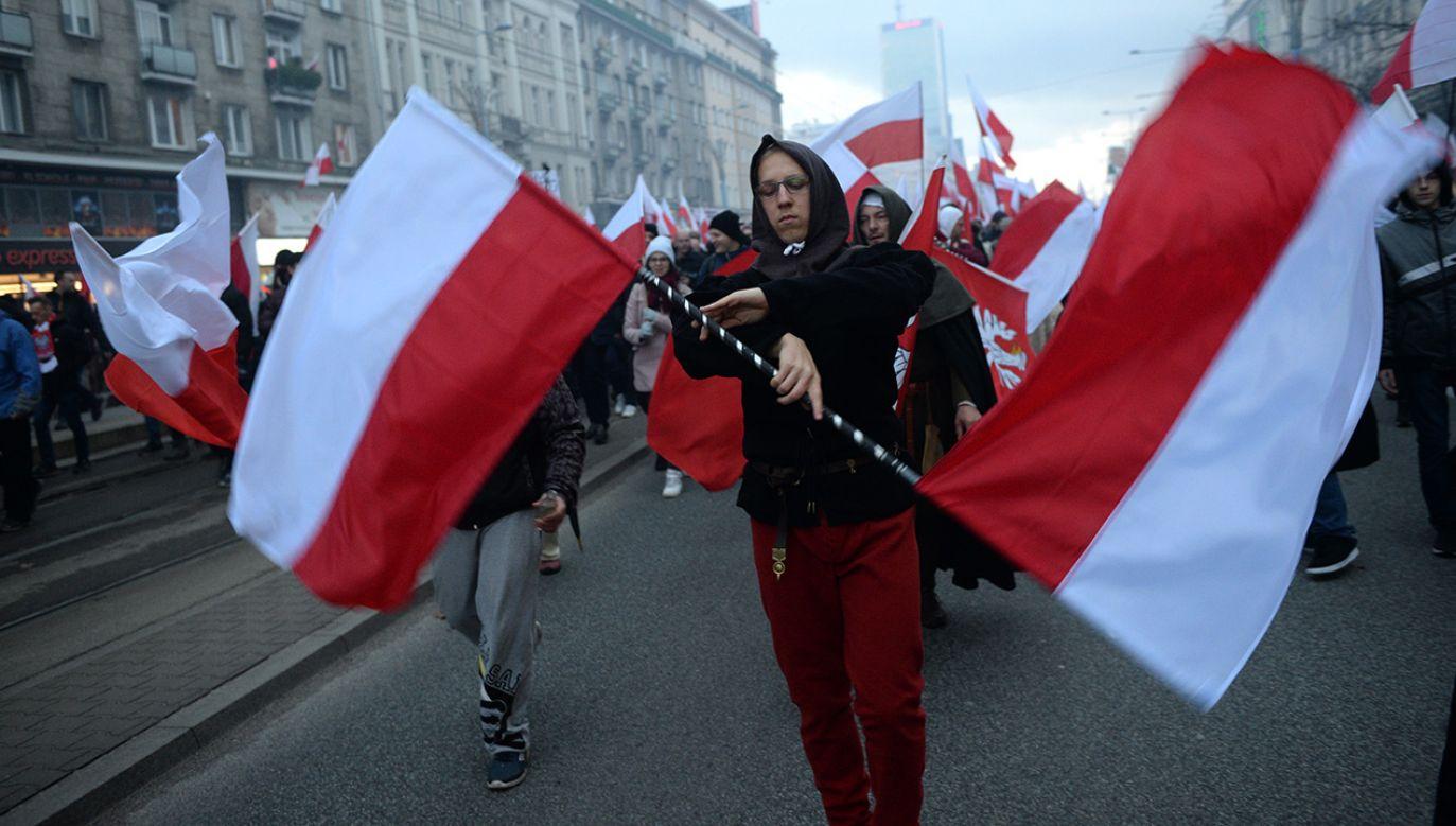 Uczestnicy Marszu Niepodległości 2017 na ulicach Warszawy (fot. arch. PAP/Jacek Turczyk)